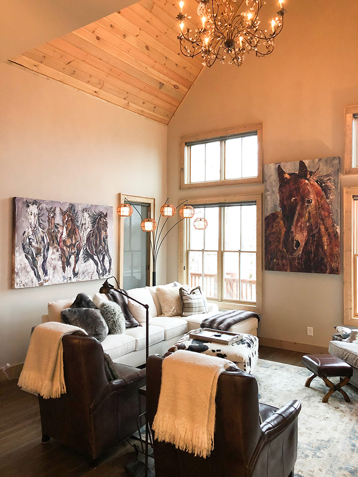 painting of horses in home 2
